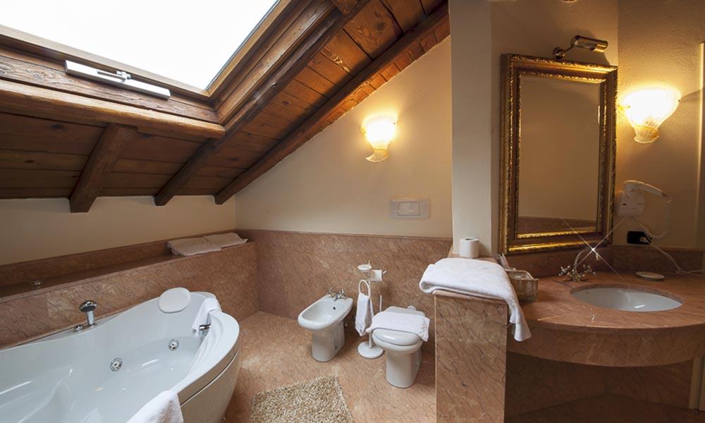 Villa Giulia Lecco - Bagno suite